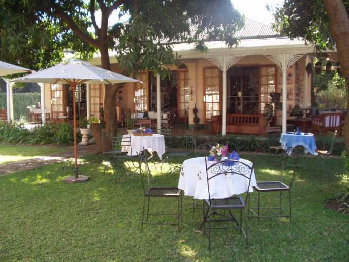 Livingstone Central, Livingstone - ZAF (photo 2)