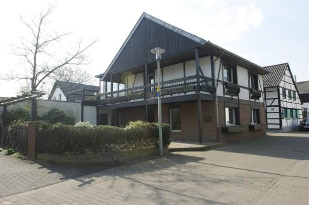Mönchengladbach - DEU (photo 2)