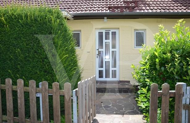 Wehrheim - DEU (photo 1)