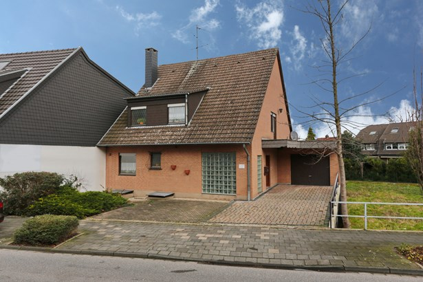 Bergheim / Büsdorf - DEU (photo 2)
