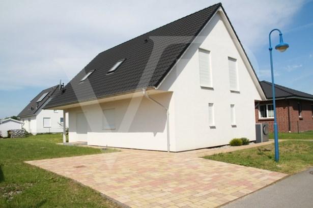 Lancken-dranske - DEU (photo 2)