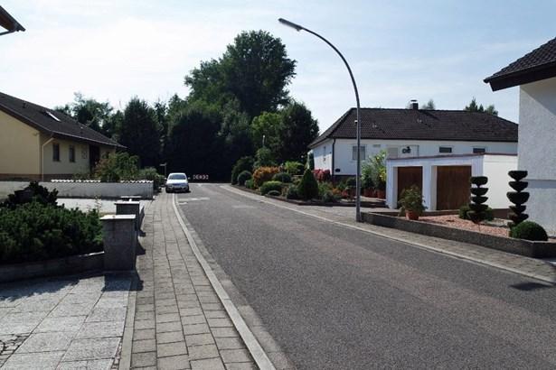 Karlsdorf-neuthard - DEU (photo 3)