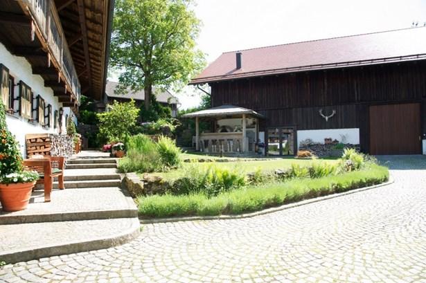 Neukirchen - DEU (photo 4)