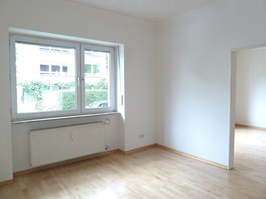 Frankfurt - DEU (photo 2)