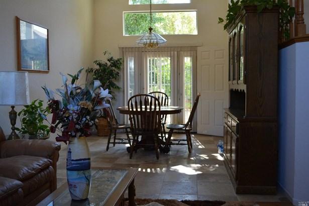 Single Family Residence, Contemporary - Vacaville, CA (photo 4)