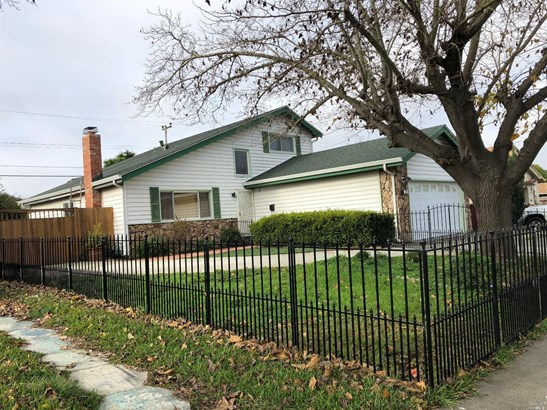 Single Family Residence, Traditional - Vallejo, CA (photo 3)