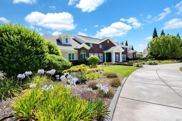 Single Family Residence, Colonial - Vacaville, CA
