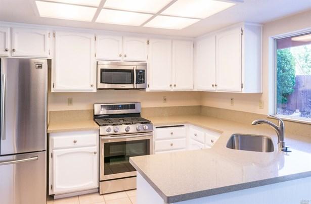 Single Family Residence, Contemporary - Vacaville, CA (photo 5)