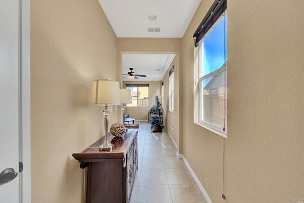 Single Family Residence, Traditional - Fairfield, CA (photo 3)