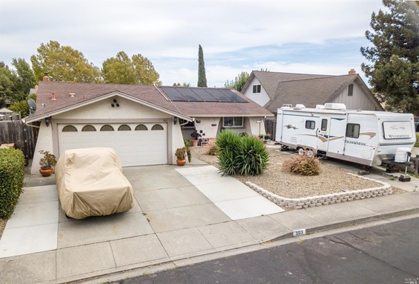 Single Family Residence, Spanish/Mediterr - Suisun City, CA