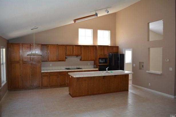 Single Family Residence, Spanish/Mediterr - Vacaville, CA (photo 4)