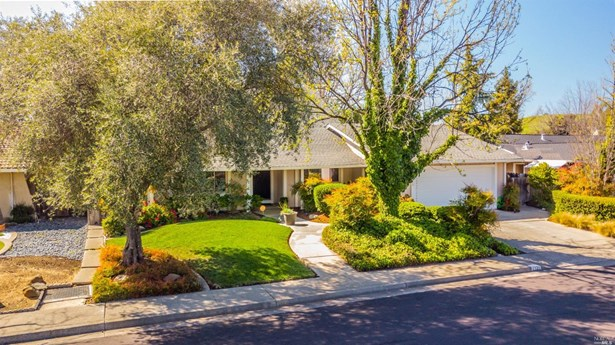 Single Family Residence, Traditional - Fairfield, CA
