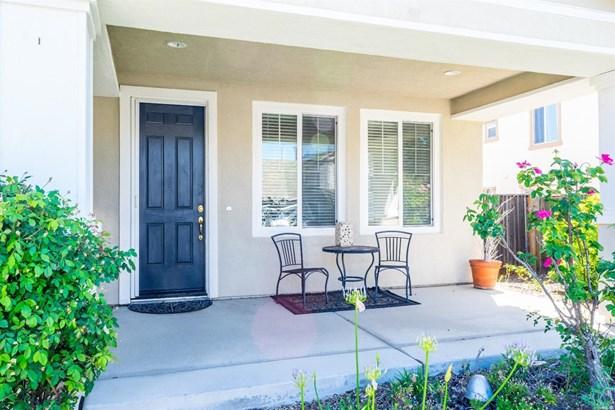 Single Family Residence, Contemporary - Fairfield, CA (photo 5)