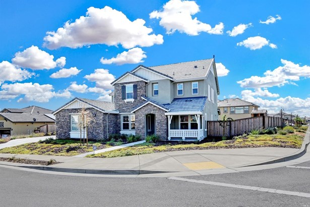 Single Family Residence, Traditional - Vacaville, CA (photo 2)