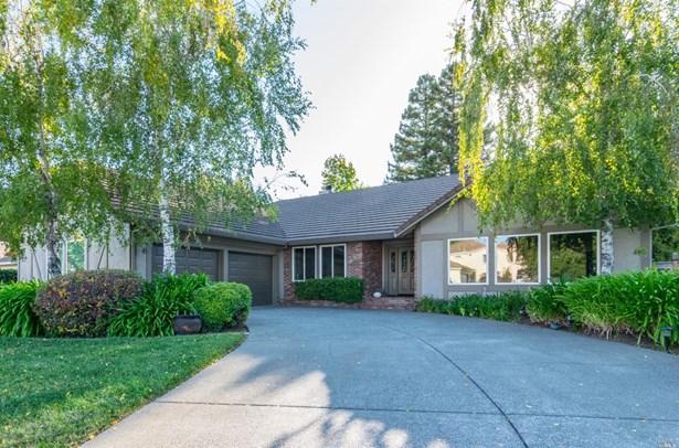 Single Family Residence, Traditional - Fairfield, CA