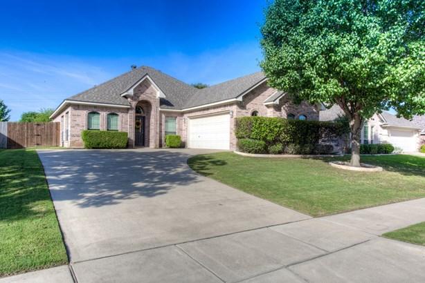 8321 Asta Court, Benbrook, TX - USA (photo 1)