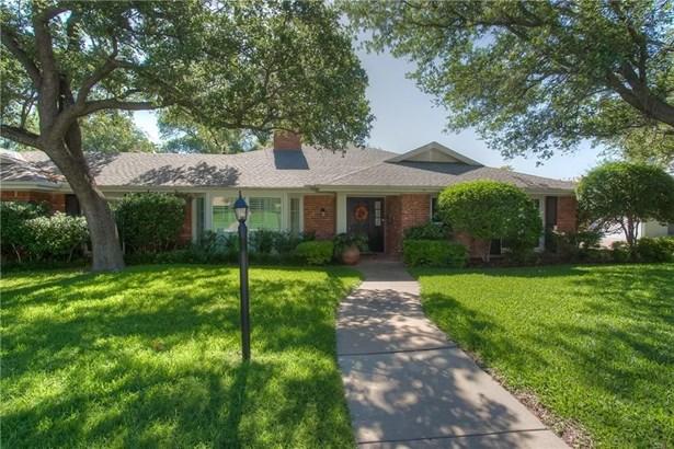 3709 Summercrest Drive, Fort Worth, TX - USA (photo 3)