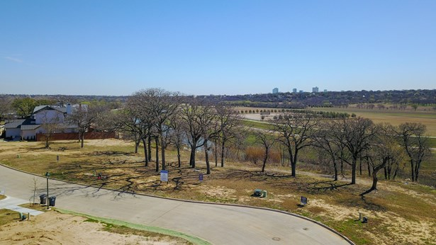217 Summersby Lane, Fort Worth, TX - USA (photo 1)