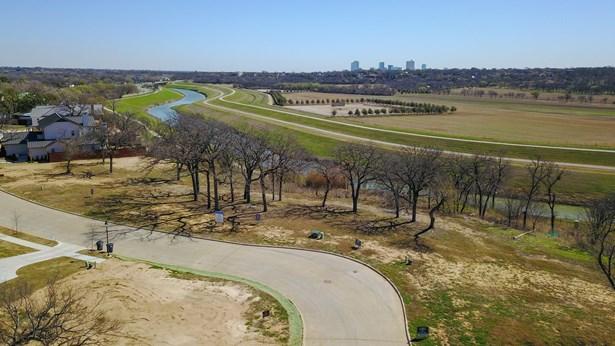 217 Summersby Lane, Fort Worth, TX - USA (photo 3)