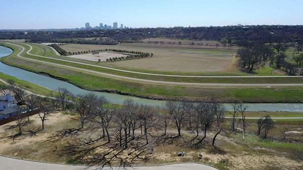 217 Summersby Lane, Fort Worth, TX - USA (photo 4)