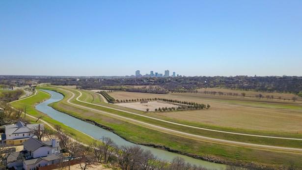 217 Summersby Lane, Fort Worth, TX - USA (photo 5)