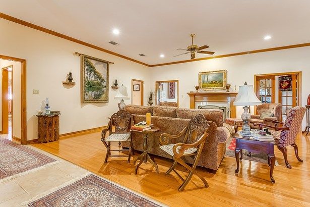 6505 Country Day Trail, Benbrook, TX - USA (photo 5)