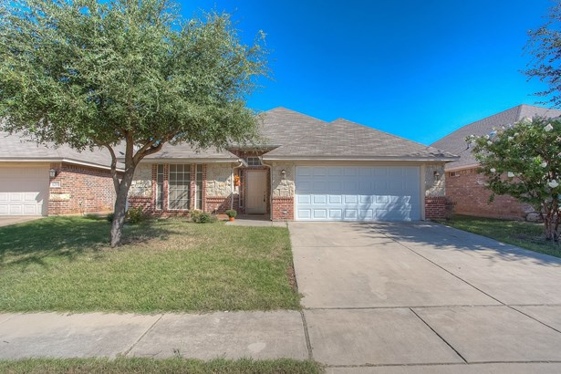 8205 Riversprings Drive, Fort Worth, TX - USA (photo 1)