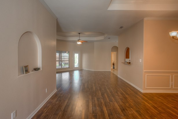 8205 Riversprings Drive, Fort Worth, TX - USA (photo 4)