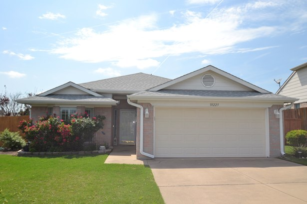 10225 Scurry Court, Fort Worth, TX - USA (photo 1)