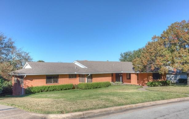 416 Hazelwood Drive, Fort Worth, TX - USA (photo 2)