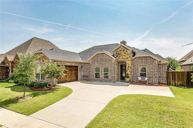 129 Mckinley Drive, Burleson, TX - USA (photo 1)
