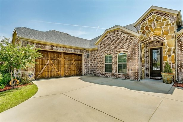 129 Mckinley Drive, Burleson, TX - USA (photo 2)