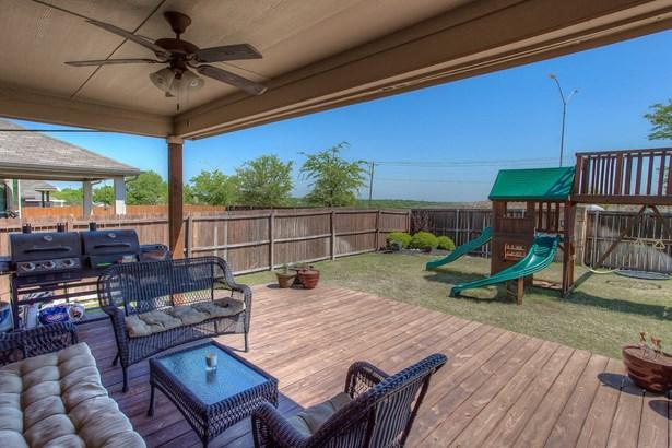 1017 Prairie Heights Drive, Fort Worth, TX - USA (photo 5)