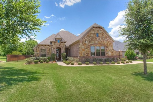 813 Falls Creek Court, Burleson, TX - USA (photo 1)