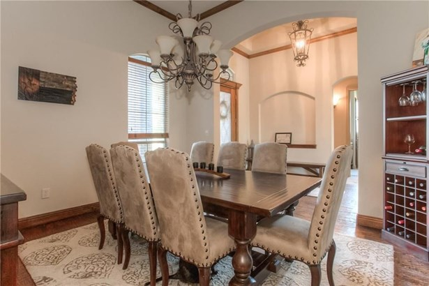 813 Falls Creek Court, Burleson, TX - USA (photo 5)