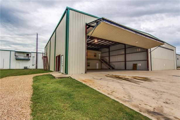 572 Aviator Drive, Fort Worth, TX - USA (photo 1)
