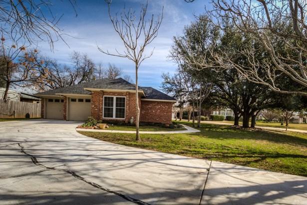 722 Aqua Vista Drive, Granbury, TX - USA (photo 2)