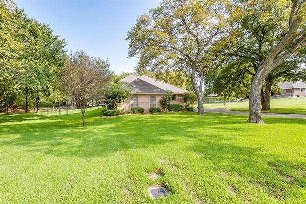 302 Village Creek Court, Joshua, TX - USA (photo 4)