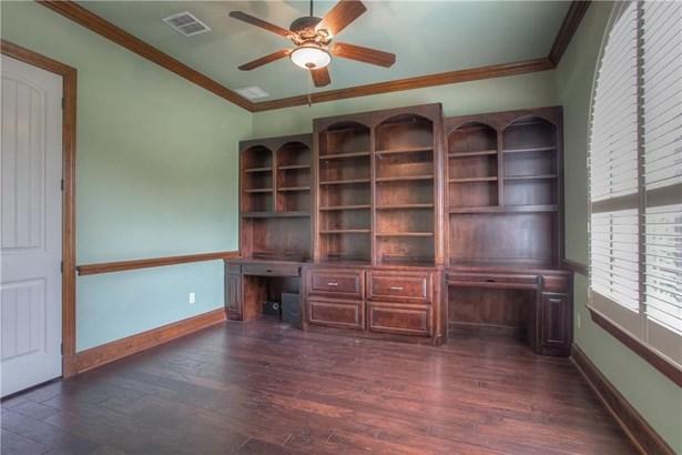 10832 Hawkins Home Boulevard, Benbrook, TX - USA (photo 4)