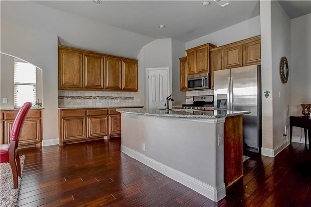7228 Water Meadows Drive, Fort Worth, TX - USA (photo 2)