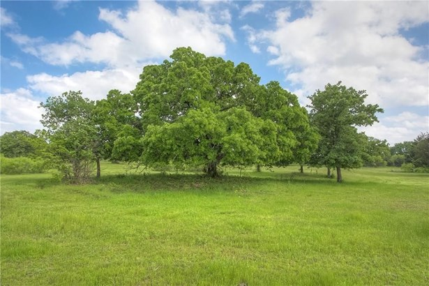 4020 Highland Oaks Lane, Cleburne, TX - USA (photo 2)