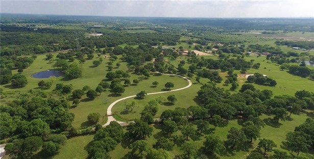 4020 Highland Oaks Lane, Cleburne, TX - USA (photo 4)