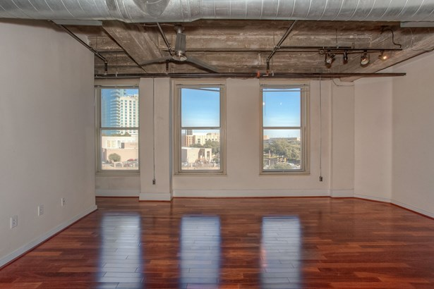 221 W Lancaster Avenue 3012, Fort Worth, TX - USA (photo 4)