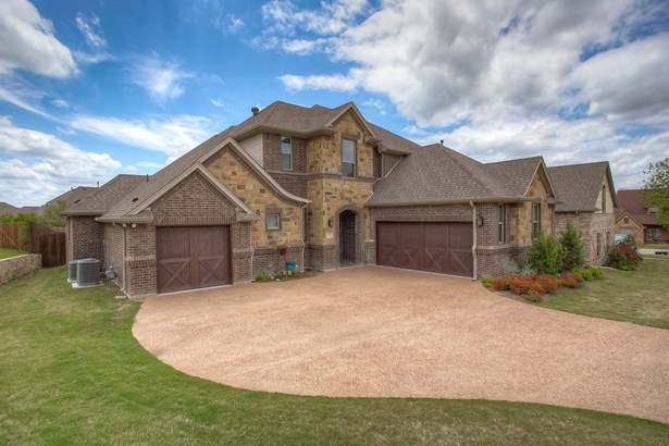 106 Crown Valley Court, Weatherford, TX - USA (photo 2)