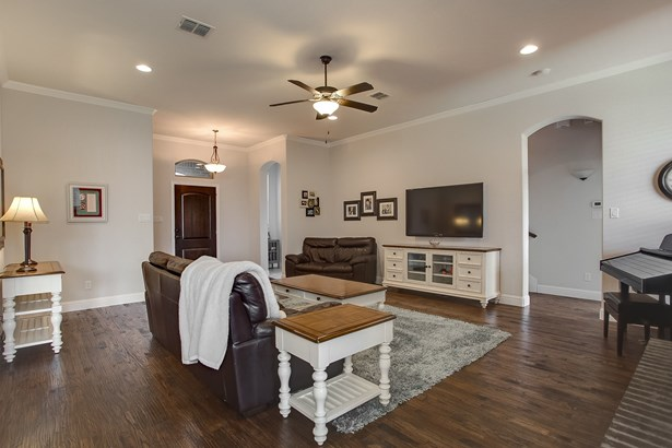 106 Crown Valley Court, Weatherford, TX - USA (photo 5)