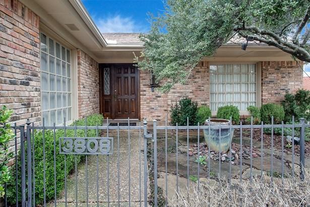 3808 Hollow Creek Road, Benbrook, TX - USA (photo 4)