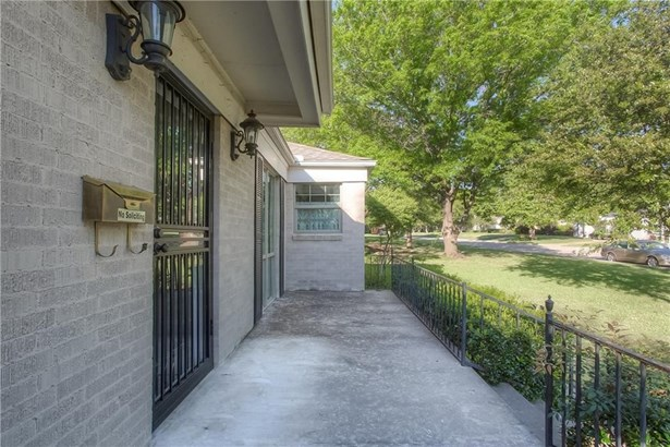 6117 Kenwick Avenue, Fort Worth, TX - USA (photo 5)