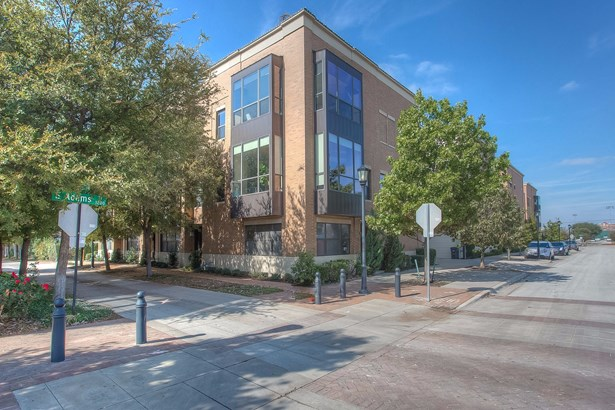 1138 S Adams Street, Fort Worth, TX - USA (photo 2)