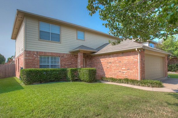 9765 Stoney Bridge Road, Fort Worth, TX - USA (photo 1)