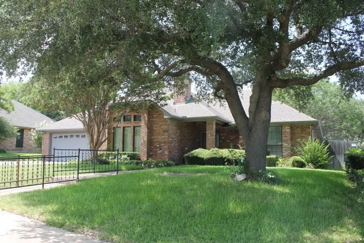 10140 Regent Row Street, Benbrook, TX - USA (photo 3)